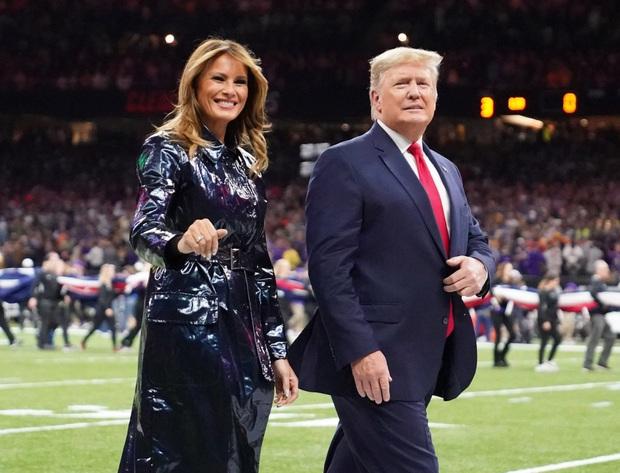 Đắng lòng cho phu nhân Melania Trump: Diện áo hiệu 50 triệu mà bị ví như khoác túi đựng rác - Ảnh 11.