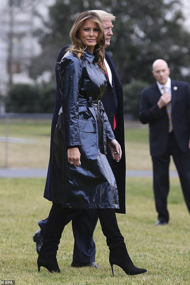 Đắng lòng cho phu nhân Melania Trump: Diện áo hiệu 50 triệu mà bị ví như khoác túi đựng rác - Ảnh 8.