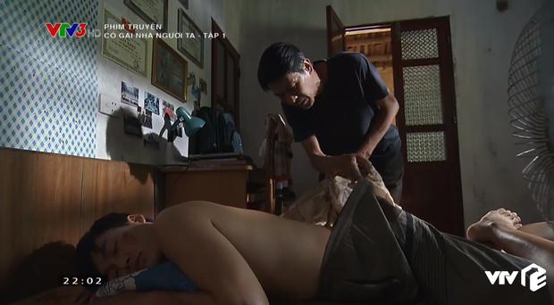 Đổ máu vì cứu Đình Tú, Phương Oanh vẫn bị mang tiếng gái hư trong Cô Gái Nhà Người Ta tập 1 - Ảnh 5.