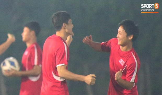 U23 CHDCND Triều Tiên tự tát vào mặt nhau trước trận gặp U23 Việt Nam - Ảnh 5.