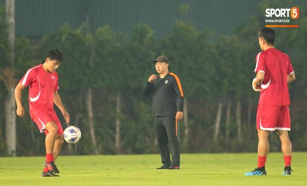 U23 CHDCND Triều Tiên tự tát vào mặt nhau trước trận gặp U23 Việt Nam - Ảnh 8.