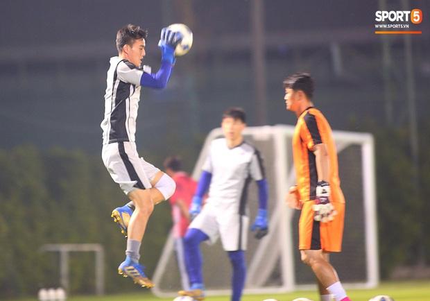 U23 CHDCND Triều Tiên tự tát vào mặt nhau trước trận gặp U23 Việt Nam - Ảnh 10.