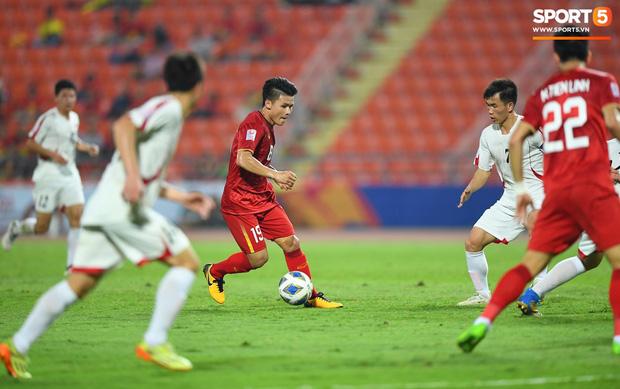 Khoảnh khắc đáng buồn nhất VCK U23 châu Á 2020: Đình Trọng nhận thẻ đỏ, U23 Việt Nam mất hết sau trận đấu với CHDCND Triều Tiến - Ảnh 6.