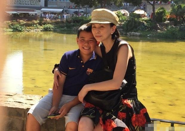 Dàn sao phụ Tân Dòng Sông Ly Biệt sau 19 năm: Vai vũ nữ thành minh tinh hạng A, xót xa hồng nhan bạc mệnh vì ung thư máu - Ảnh 27.