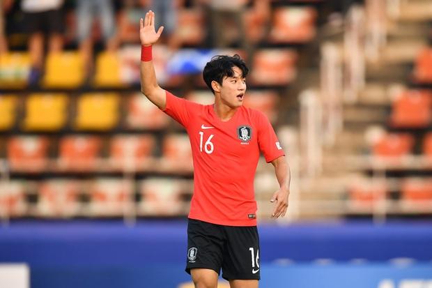 Cầu thủ đẹp trai nhất Hàn Quốc gây sốt tại giải U23 châu Á: Chỉ một khoảnh khắc thôi cũng đủ khiến dân tình phải điêu đứng - Ảnh 3.