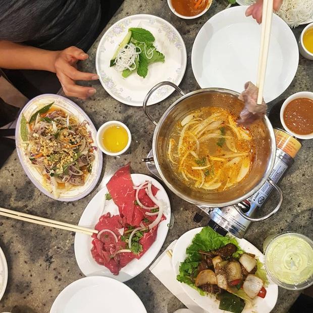 """""""Bò bảy món"""" là đặc sản gì mà đến cả vợ chồng Lý Hải – Minh Hà đến An Giang cũng phải ăn cho bằng được? - Ảnh 4."""
