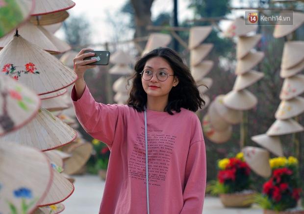 Vườn đào xuân 1000 gốc khoe sắc trong khuôn viên đại học VinUni vừa khánh thành - Ảnh 10.