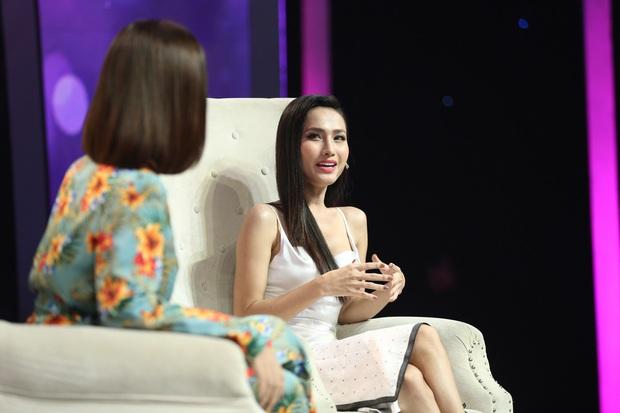 Choáng: Trọng Hiếu quyết định nắm tay Hoa hậu chuyển giới Hoài Sa ra về trên show hẹn hò - Ảnh 2.