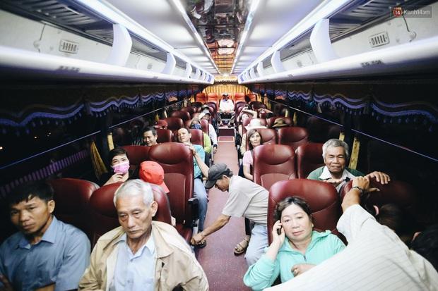 Chuyến xe nghĩa tình đưa miễn phí gần 700 sinh viên và người lao động nghèo mưu sinh ở Sài Gòn về quê đón Tết Canh Tý 2020 - Ảnh 14.