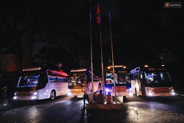 Chuyến xe nghĩa tình đưa miễn phí gần 700 sinh viên và người lao động nghèo mưu sinh ở Sài Gòn về quê đón Tết Canh Tý 2020 - Ảnh 8.