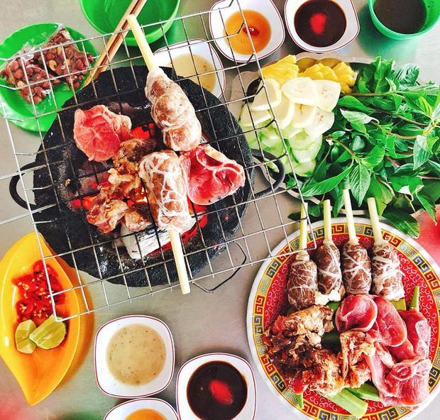 """""""Bò bảy món"""" là đặc sản gì mà đến cả vợ chồng Lý Hải – Minh Hà đến An Giang cũng phải ăn cho bằng được? - Ảnh 2."""