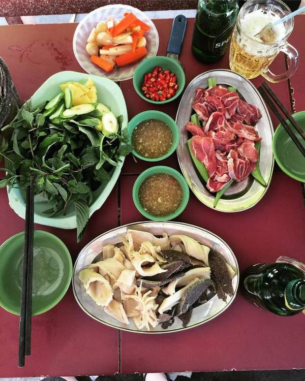 """""""Bò bảy món"""" là đặc sản gì mà đến cả vợ chồng Lý Hải – Minh Hà đến An Giang cũng phải ăn cho bằng được? - Ảnh 12."""