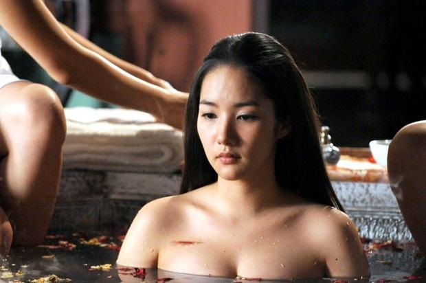 Đỏ mặt với 4 cảnh nóng của Park Min Young trên màn ảnh: Hot nhất là pha giường chiếu cùng bạn trai tin đồn Park Seo Joon - Ảnh 4.