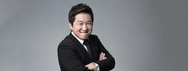 Fan lo lắng khi MC đình đám của Weekly Idol, Idol Room... lộ dấu hiệu tăng cân không kiểm soát - Ảnh 1.