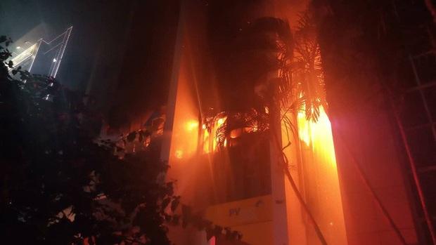 Cháy tòa nhà PV Oil Thanh Hóa, 9 người thương vong - Ảnh 2.
