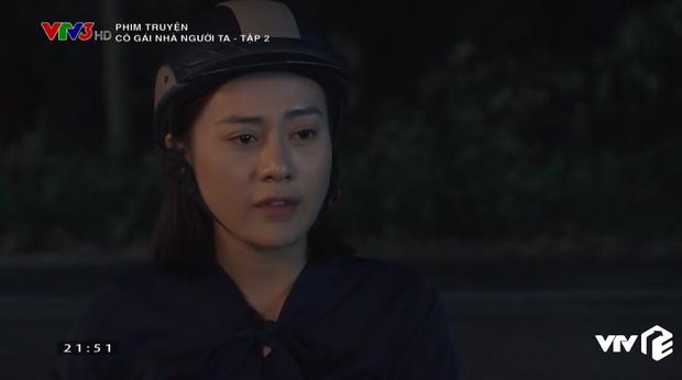 Em gái Quỳnh Búp Bê lộ bản chất thích của quen, ra sức mồi chài trai của chị ở Cô Gái Nhà Người Ta tập 2 - Ảnh 11.