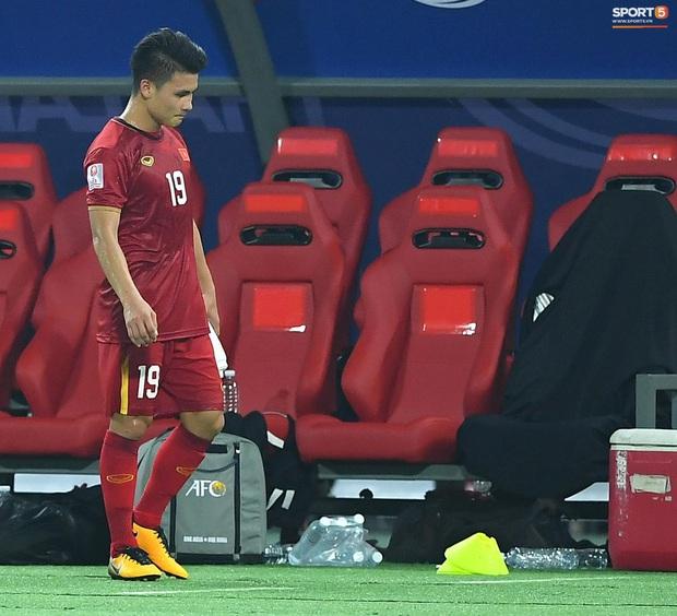 U23 Việt Nam cúi đầu buồn bã sau khi bị loại khỏi U23 châu Á 2020 - Ảnh 11.