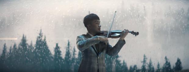 Đức Phúc hát đầy cảm xúc, Hoàng Rob kéo violin ngất lịm, lại thêm Bình An đẹp trai ngời ngời - quá đủ cho một sản phẩm cận Tết! - Ảnh 3.