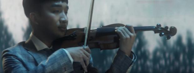 Đức Phúc hát đầy cảm xúc, Hoàng Rob kéo violin ngất lịm, lại thêm Bình An đẹp trai ngời ngời - quá đủ cho một sản phẩm cận Tết! - Ảnh 6.
