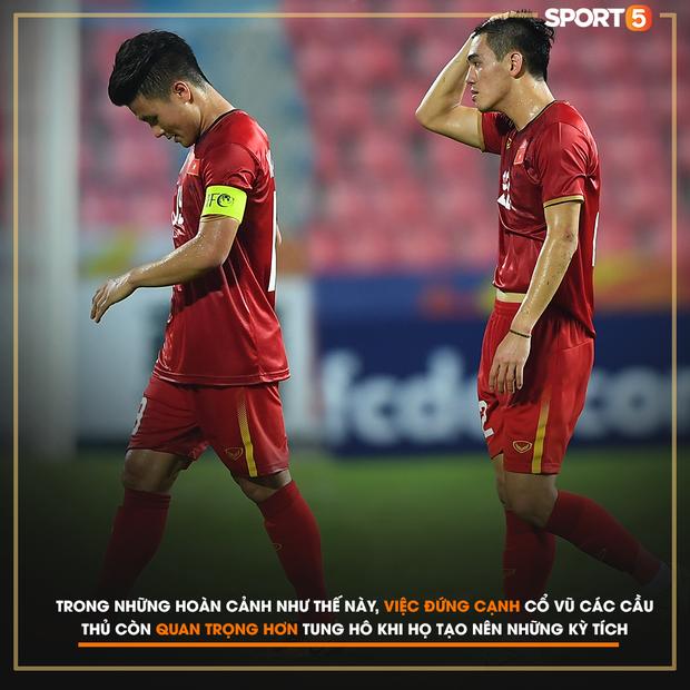 Gửi CĐV Việt Nam: Đã ở bên cầu thủ khi vinh quang, xin đừng bỏ rơi họ khi thất bại! - Ảnh 2.