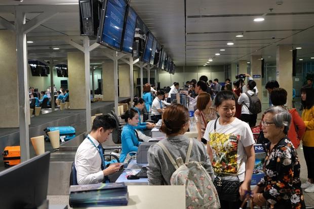 Nhiều hành khách ở Sài Gòn bị nhỡ chuyến bay Tết Canh Tý, hãng hàng không đưa ra khuyến cáo - Ảnh 1.
