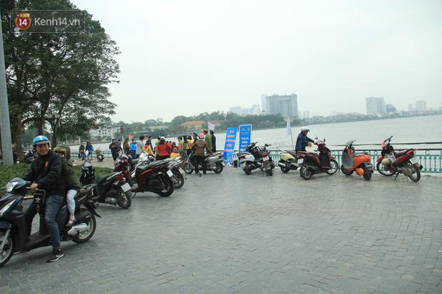 Hà Nội: Người dân thích thú với thông điệp Ông Táo không dùng túi nilon, hồ Tây không còn cảnh túi nilon nổi trắng dập dềnh - Ảnh 11.