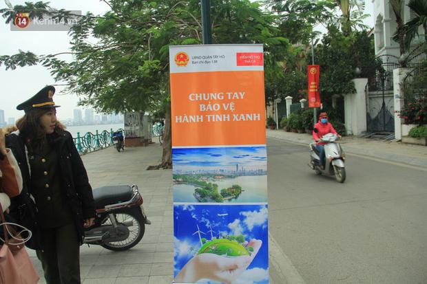Hà Nội: Người dân thích thú với thông điệp Ông Táo không dùng túi nilon, hồ Tây không còn cảnh túi nilon nổi trắng dập dềnh - Ảnh 4.