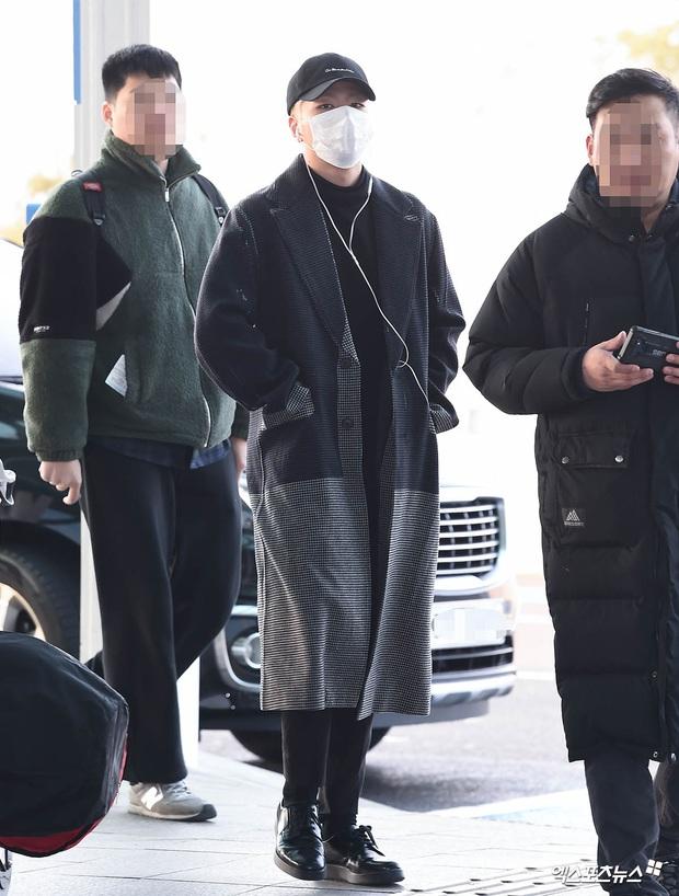 Ông hoàng Kpop G-Dragon gây bão tại sân bay, 2 boygroup NCT - iKON đại diện 2 ông lớn đụng độ khốc liệt - Ảnh 15.