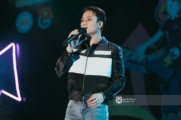 Đỉnh như trường nhà người ta, mời một lúc 16 ca sĩ hàng đầu đến diễn văn nghệ: Đông Nhi, Trúc Nhân, Phan Mạnh Quỳnh... có hết - Ảnh 7.