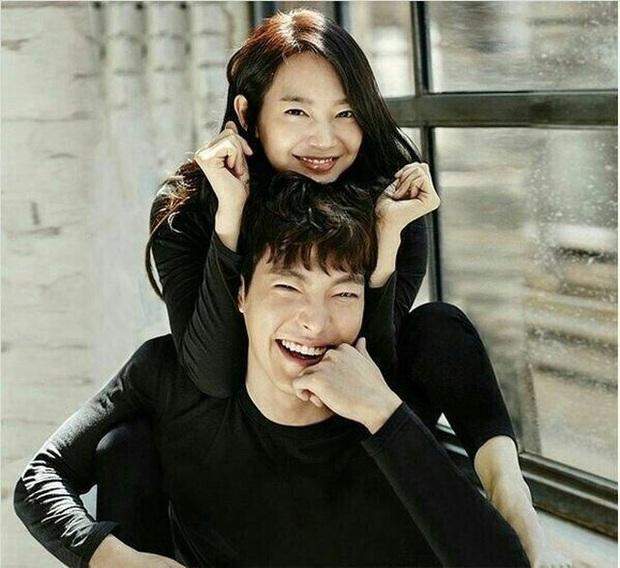 7 cặp sao Hàn dự dễ lên xe hoa nhất năm 2020: Kim Woo Bin, cặp Reply 1988 hay Lee Kwang Soo mở bát năm nay? - Ảnh 1.