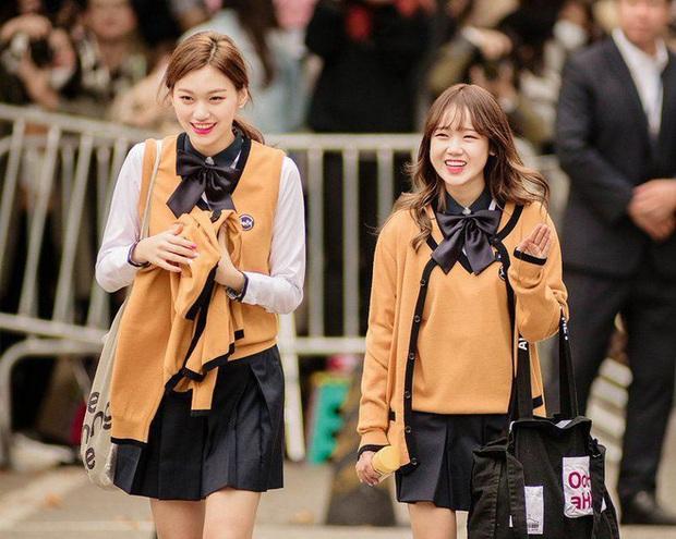 Những quy tắc học hành lạ lùng ở các trường Hàn Quốc: Học 16 tiếng/ngày, hình phạt thể xác vẫn tồn tại, định kỳ luân chuyển giáo viên... - Ảnh 5.