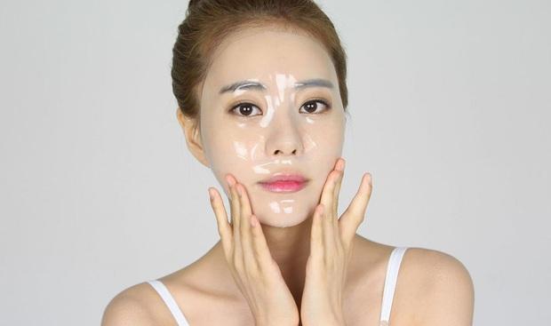 Đắp mặt nạ mỗi ngày là bí quyết làm đẹp của nữ thần Phạm Băng Băng, Chí Linh nhưng hãy cẩn thận nếu không muốn bị hỏng da mặt - Ảnh 1.