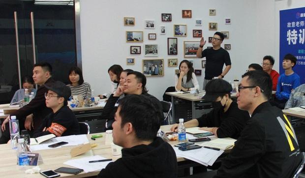 Thâm nhập lò dạy làm giàu bằng TikTok tại Trung Quốc - Ảnh 3.