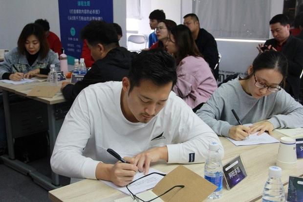 Thâm nhập lò dạy làm giàu bằng TikTok tại Trung Quốc - Ảnh 4.