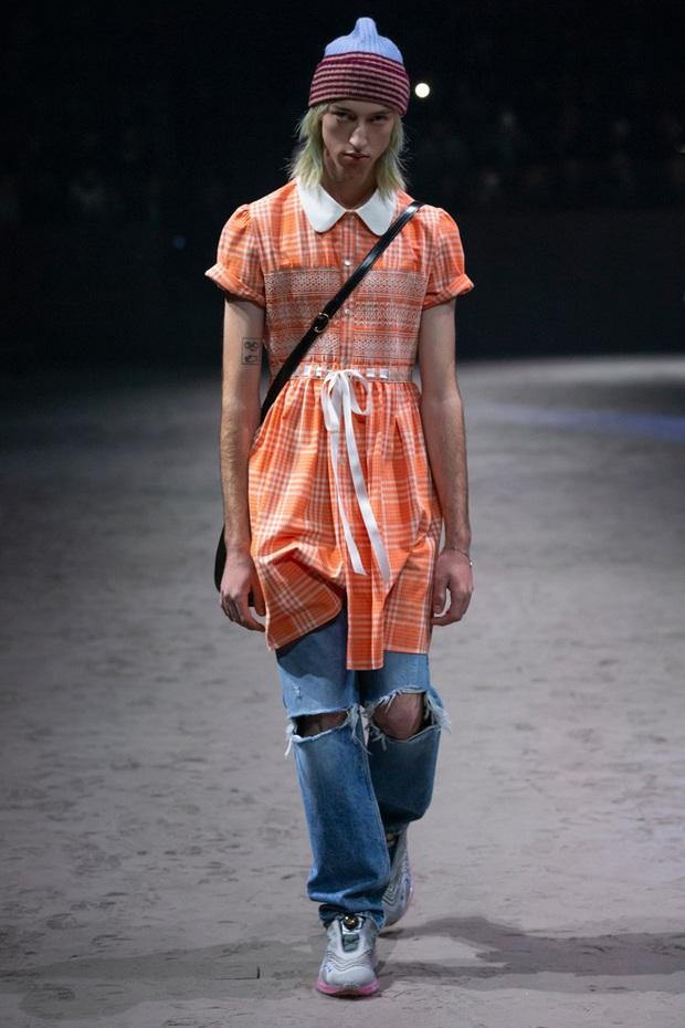 Dân tình đồn đoán Công chúa Charlotte chính là nguồn cảm hứng cho những thiết kế gây tranh cãi của Gucci - Ảnh 7.