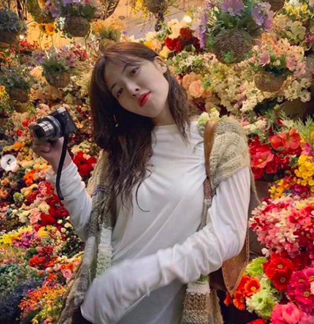 Tưởng HyunA muốn chơi độc khi diện đôi boot hoa hòe hoa sói nhưng hoá ra đằng sau đó là cả câu chuyện ấm lòng fan - Ảnh 3.