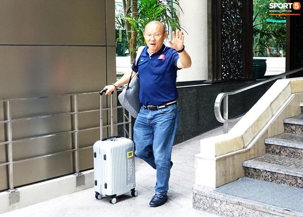 U23 Việt Nam chia quân xách vali về nước, thầy Park gửi lời chúc mừng năm mới - Ảnh 4.