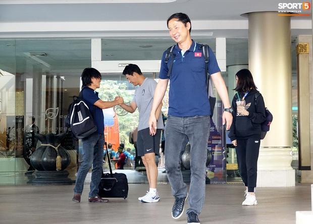 U23 Việt Nam chia quân xách vali về nước, thầy Park gửi lời chúc mừng năm mới - Ảnh 6.