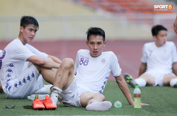 Người không phổi Hùng Dũng mệt lử, Duy Mạnh thất vọng sau trận thua đậm trước đối thủ tới từ Thái Lan - Ảnh 3.