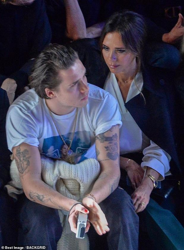 Gia đình Beckham gây bão khi đi show: David - Victoria thần thái ngút ngàn như đóng phim, lấn át luôn cậu con cả - Ảnh 2.