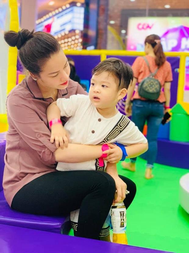 """Giữa ồn ào giành lại quyền nuôi con, Nhật Kim Anh bức xúc: """"Người ta đấu tố tìm mọi chiêu trò quyền lực với mẹ - Ảnh 4."""