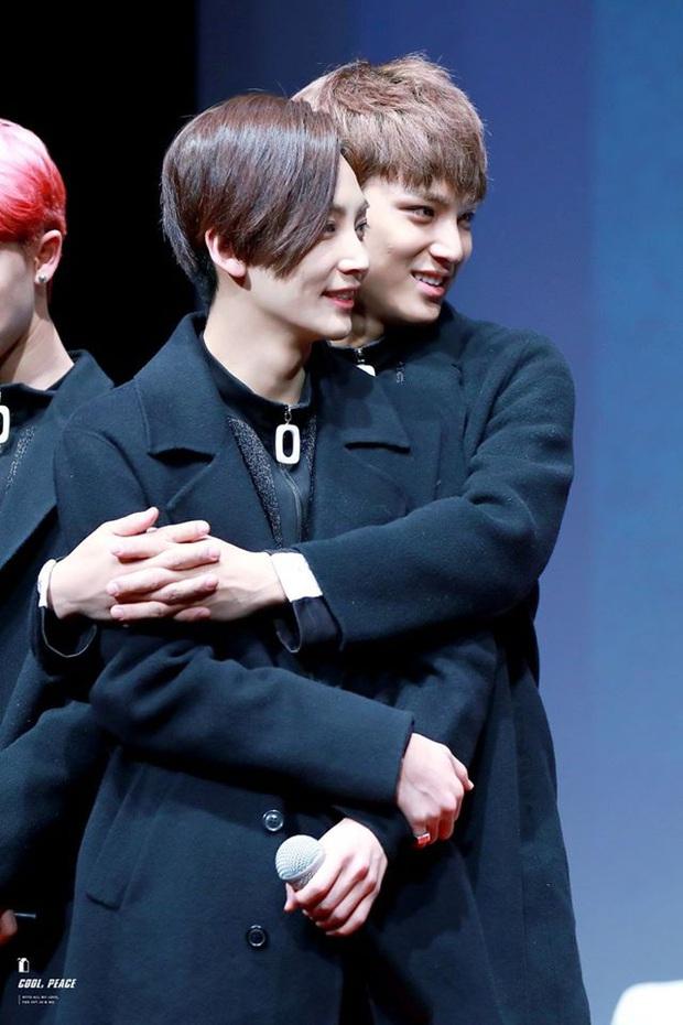 Anh anh em em là thế nhưng ai ngờ hai chàng trai của nhóm nhạc Gen3 đình đám Kpop từng đứng 1 tiếng rưỡi chỉ để... hét vào mặt nhau - Ảnh 3.