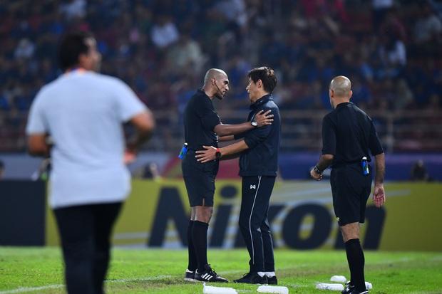 U23 Thái Lan ôm hận bởi vị trọng tài từng bắt Việt Nam chịu quả penalty khó hiểu ở vòng loại World Cup 2022 - Ảnh 3.