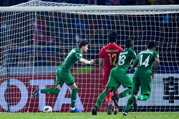 U23 Thái Lan ôm hận bởi vị trọng tài từng bắt Việt Nam chịu quả penalty khó hiểu ở vòng loại World Cup 2022 - Ảnh 2.