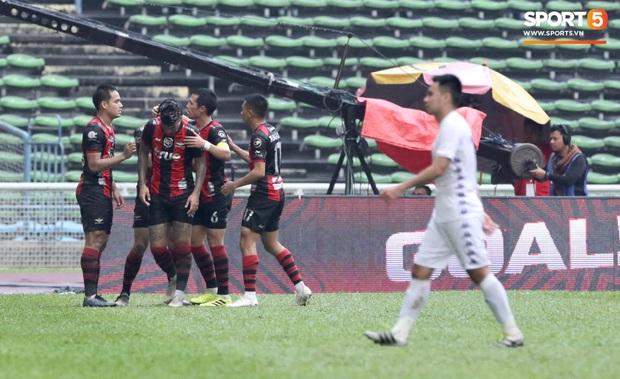 Hà Nội FC thất bại trước đội bóng Thái Lan tại giải đấu giao hữu có thể thức lạ kỳ - Ảnh 6.