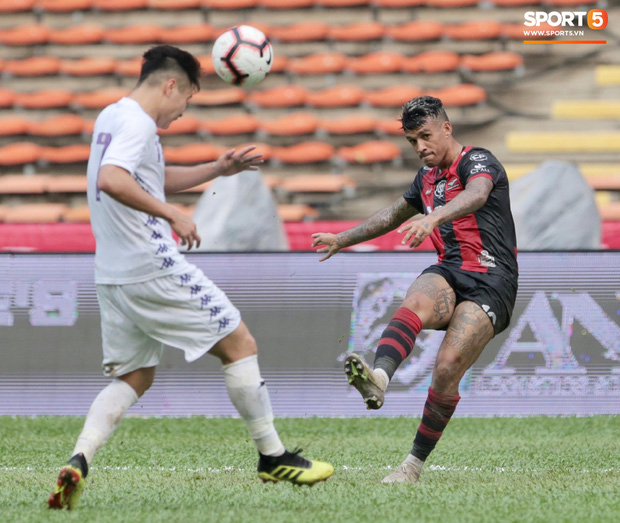 Hà Nội FC thất bại trước đội bóng Thái Lan tại giải đấu giao hữu có thể thức lạ kỳ - Ảnh 4.
