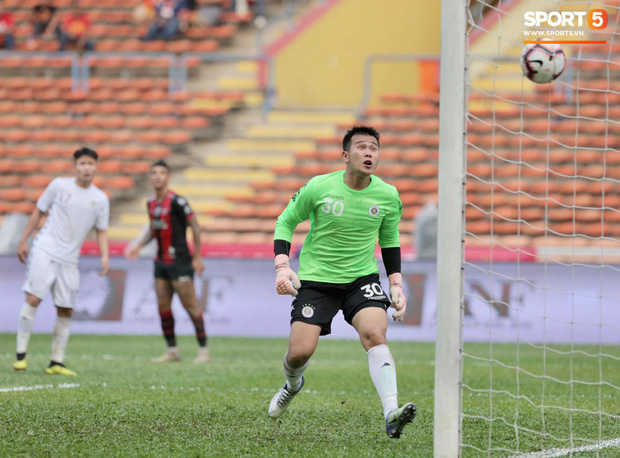 Hà Nội FC thất bại trước đội bóng Thái Lan tại giải đấu giao hữu có thể thức lạ kỳ - Ảnh 9.