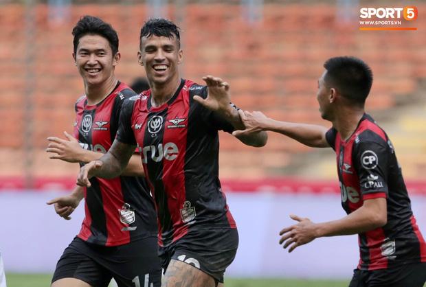 Hà Nội FC thất bại trước đội bóng Thái Lan tại giải đấu giao hữu có thể thức lạ kỳ - Ảnh 7.
