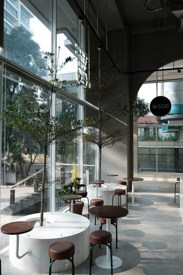 Sài Gòn: Hai quán cà phê mới toe được dân tình check-in ầm ầm, Tết này lại có chỗ để ểnh ương sống ảo rồi đây! - Ảnh 15.