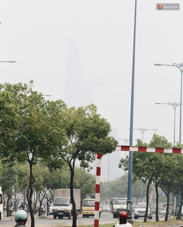 Toà nhà cao nhất Việt Nam mờ ảo trong bụi mù, Sài Gòn tiếp tục bị ô nhiễm nặng những ngày giáp Tết - Ảnh 7.